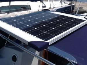 Solarpanel on sprayhood